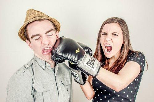girlfriend-and-boyfriend-fight